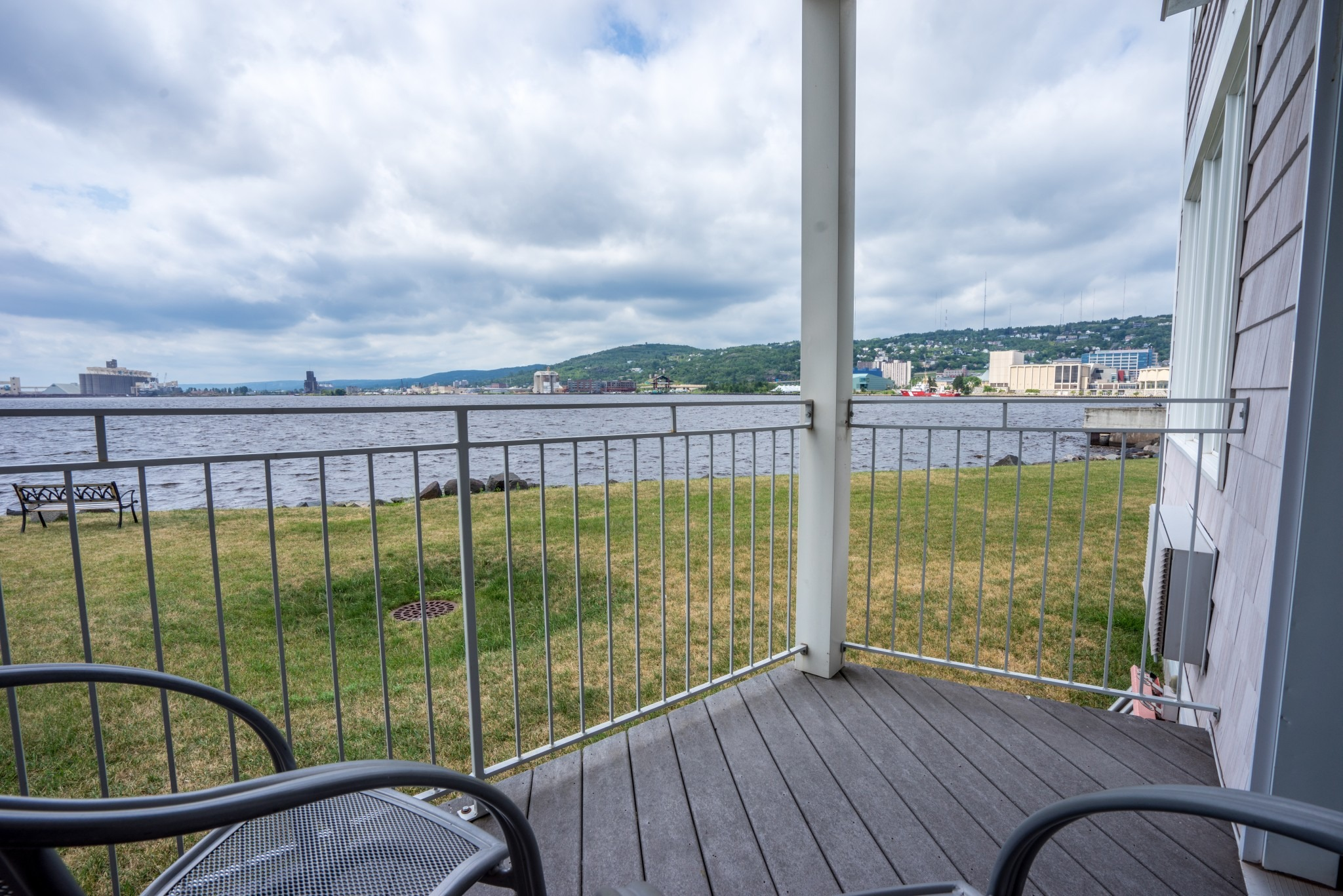 One Room Waterfront Suite – Harbor View King