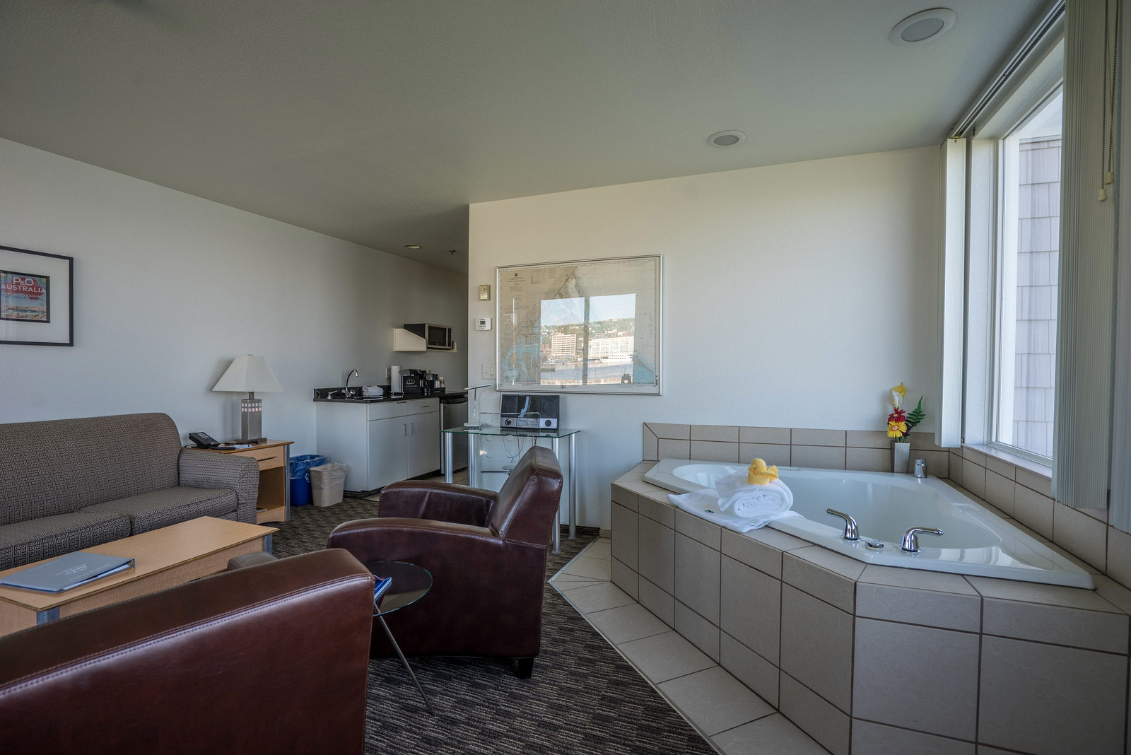 Lower Grand Panoramic Corner Suite