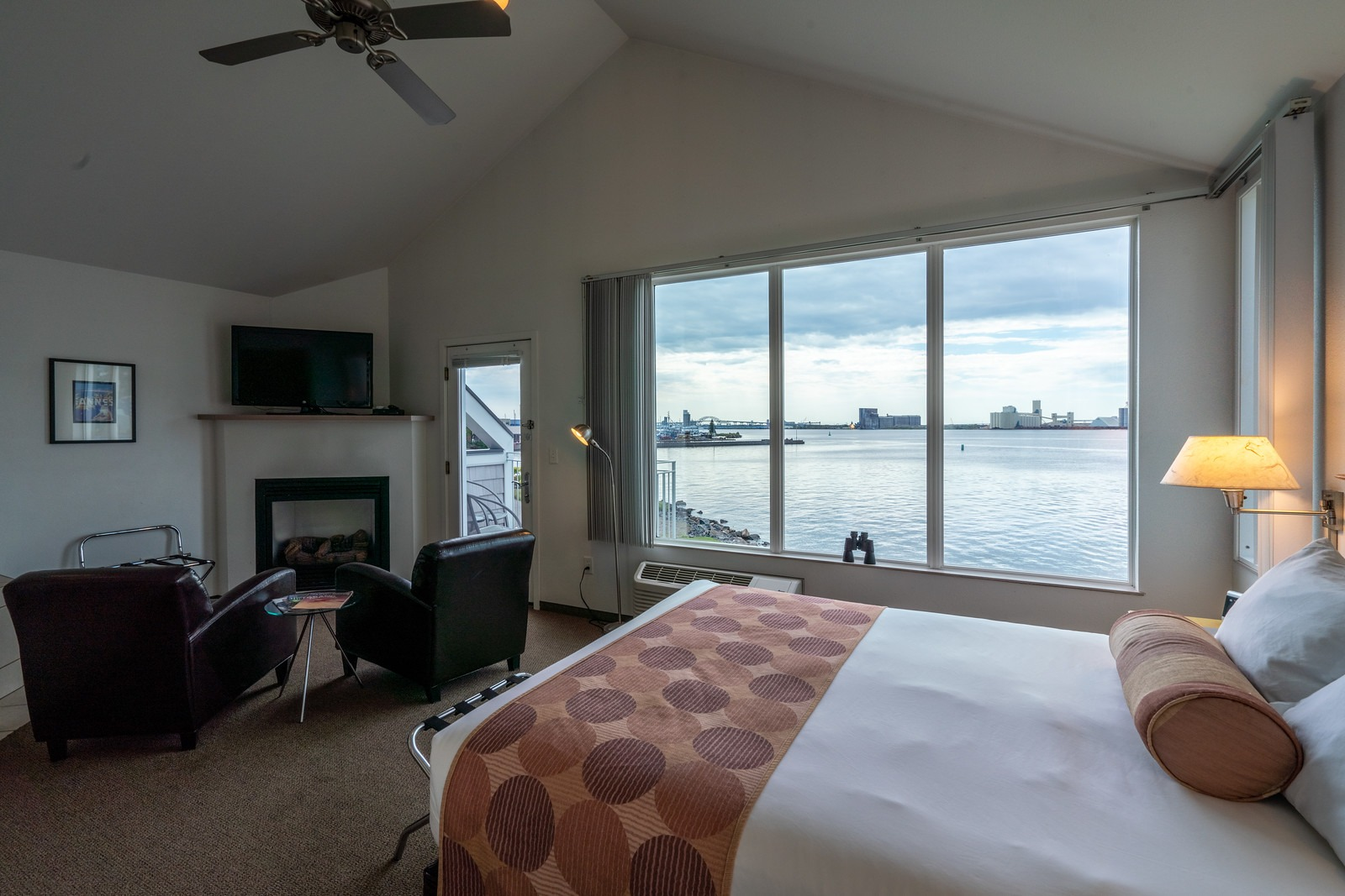 One Room Waterfront Suite – Harbor View