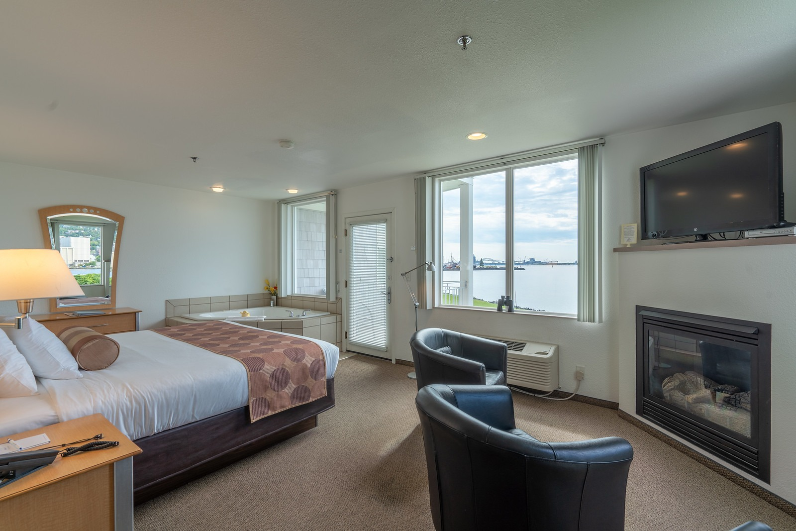 King One Room Suite – Harbor View